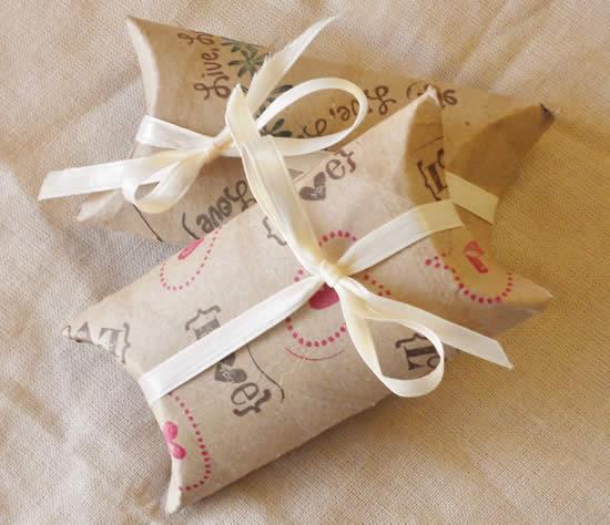 Lembrancinhas com reciclagem com rolo de papelão