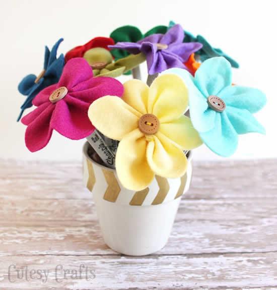 Artesanato com Flores de feltro