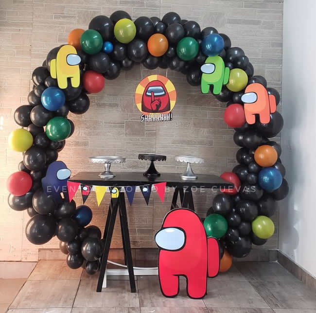 Decoração com bolas para o Dia das Crianças