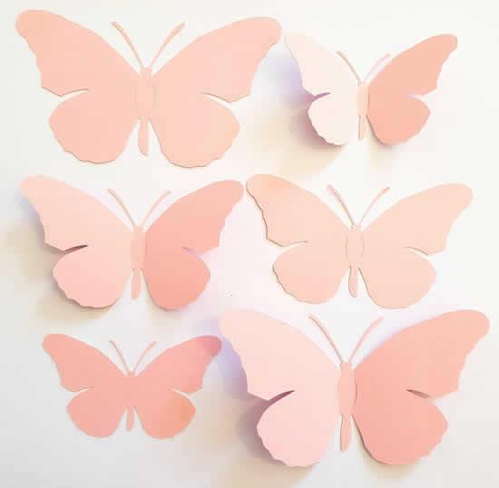 Enfeite com borboleta de papel