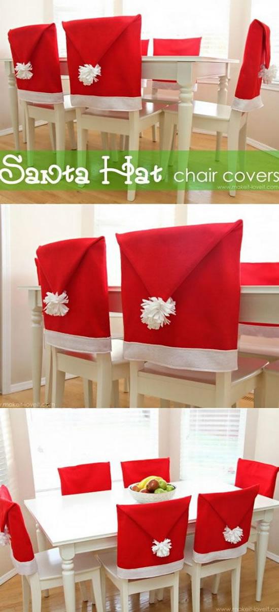 Cadeiras Decoradas com Gorros de Papai Noel
