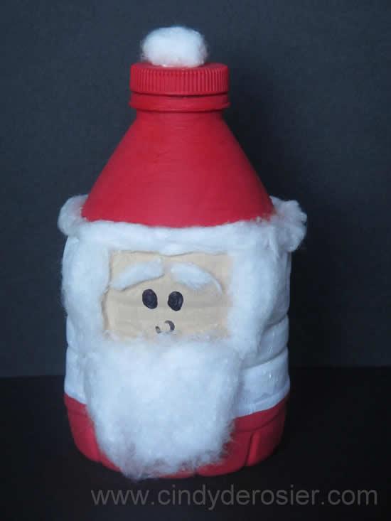 Papai Noel com garrafa PET