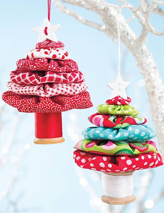 Árvores de Natal com tecido para Natal