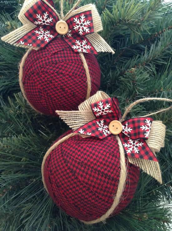 Bolas de Natal com tecido