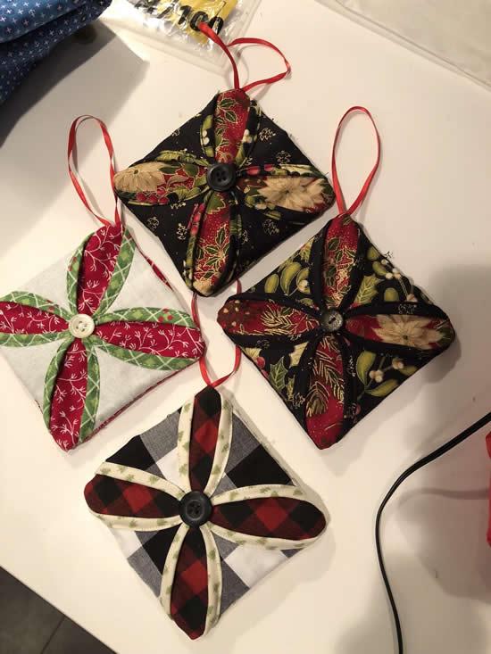 Enfeite com tecido para o Natal