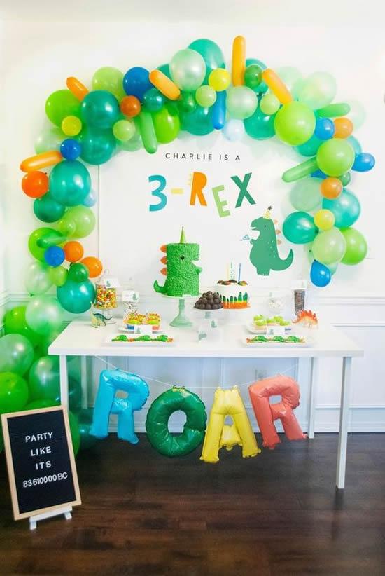 Aniversário com Decoração de Balões