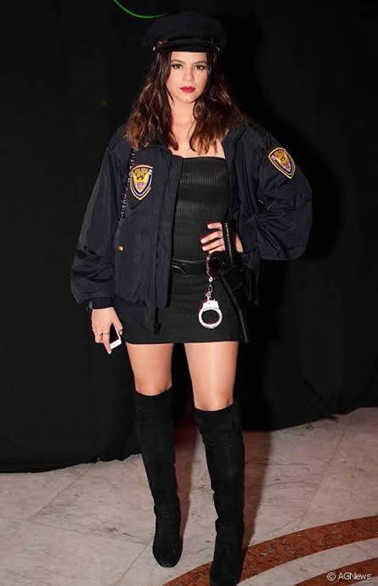 Fantasia de Policial Feminina