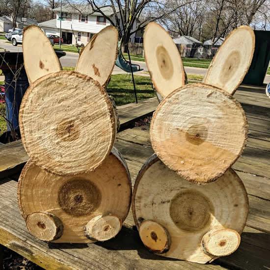 Lindos coelhinhos de madeira