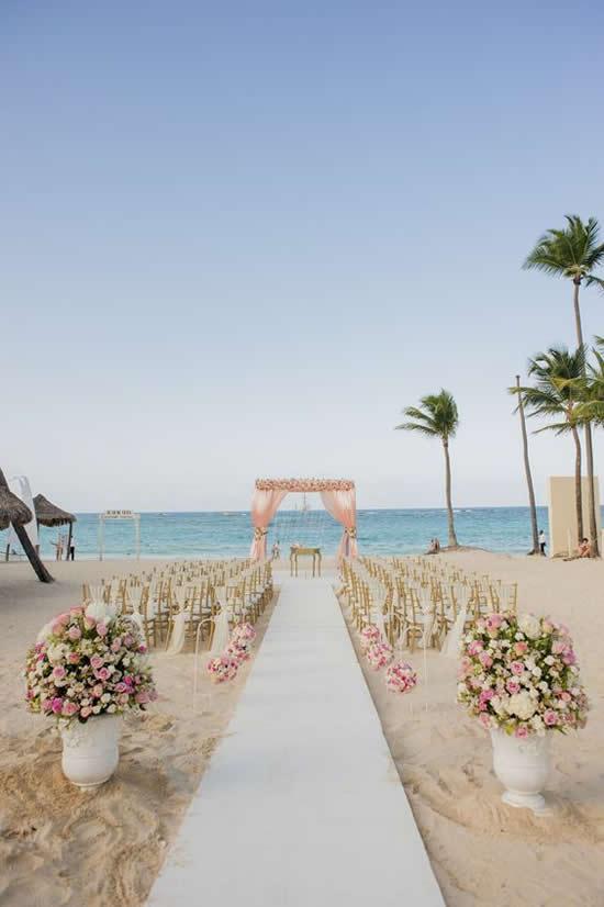 Você vai amar essas ideias para casamento na praia