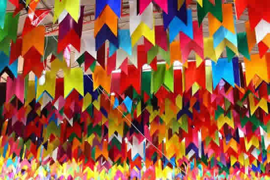 Decoração com Bandeirinhas de São João