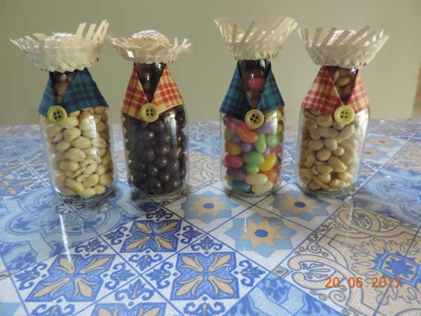 Lembrancinhas com garrafas para Festa Junina