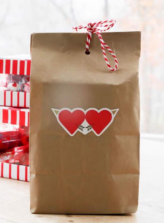 Faça um Embrulho de Papel para Dia dos Namorados