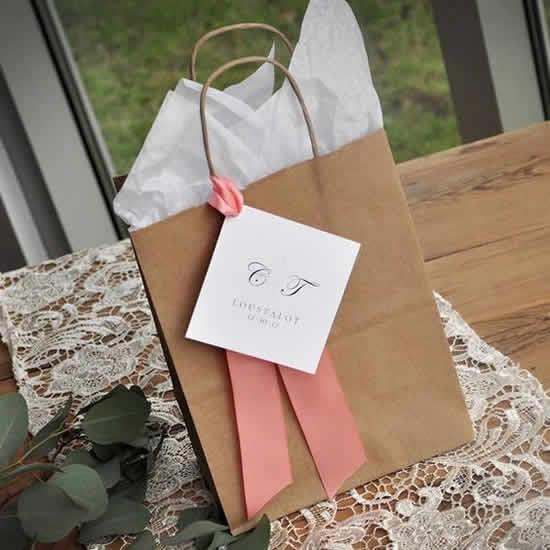 Sacolinhas de papel para lembrancinhas
