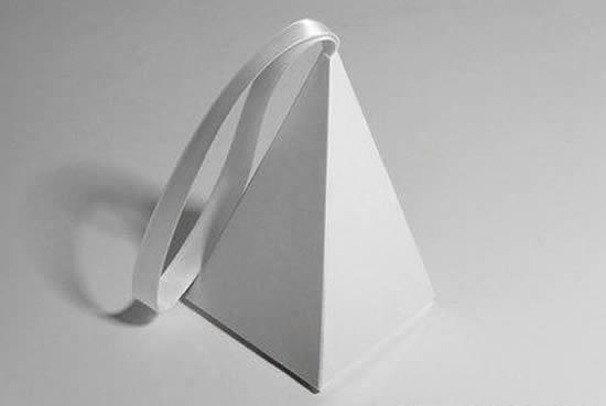 Linda caixinha pirâmide