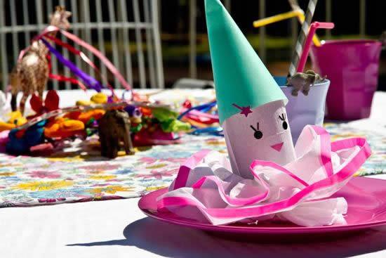 Enfeite com rolo de papelão para festa infantil