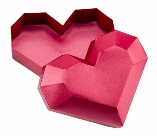 Lembrancinha de coração de papel com molde
