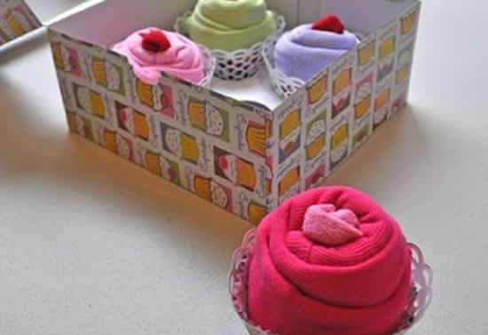 Presente com toalhinhas para chá de bebê