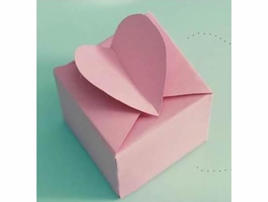 Linda caixinha de coração com molde