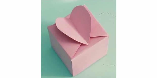 Caixinha delicada com coração com molde