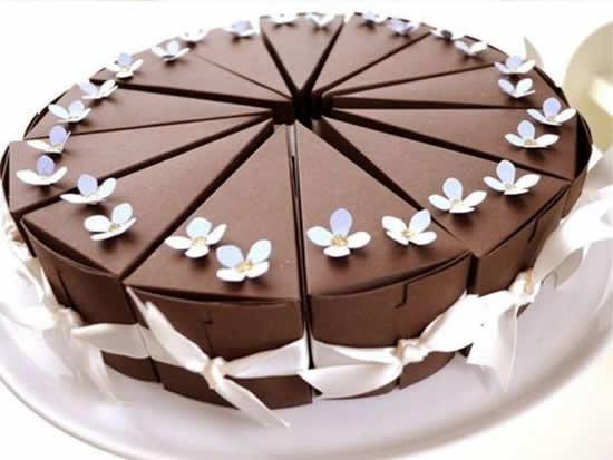 Caixa pedaço de bolo com molde