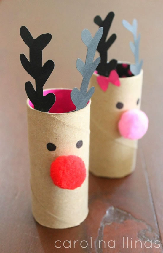 Renas de Natal com rolos de papel