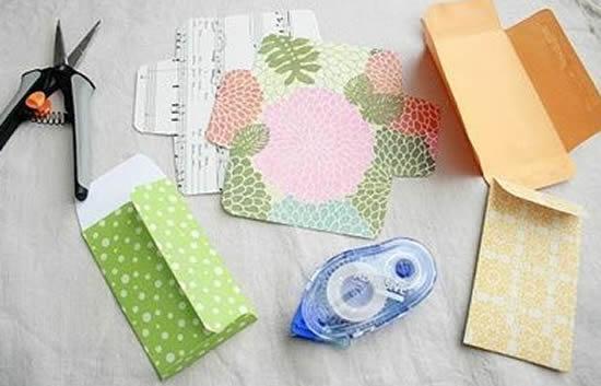 Faça envelope de papel com molde