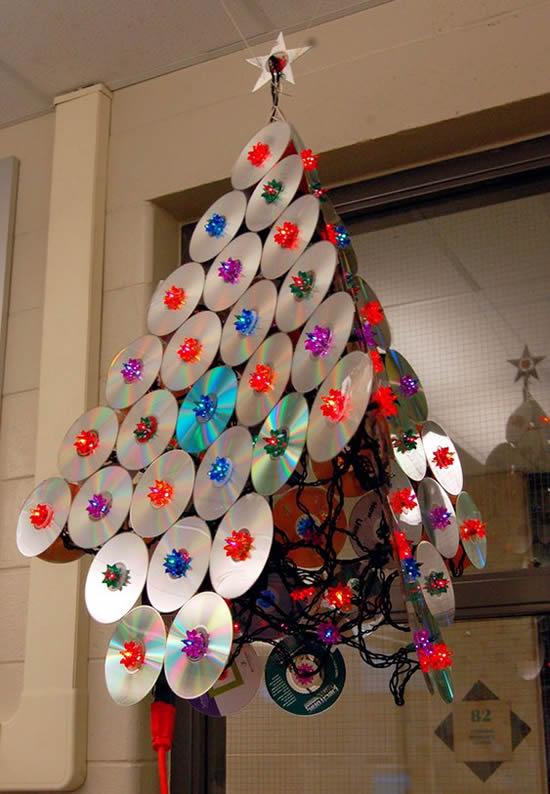Árvore de Natal linda com CDs