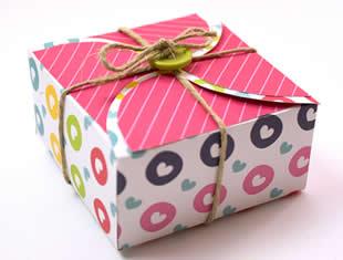 Caixa de papel para fazer lindas lembrancinhas com molde