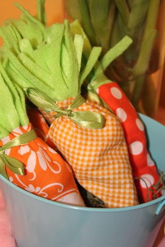 Cenoura de tecido para lembrancinha de Páscoa