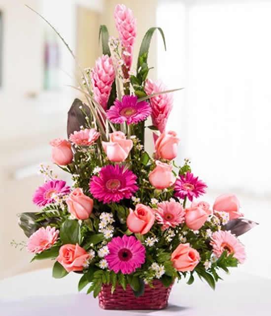 Como fazer decorações com arranjos florais