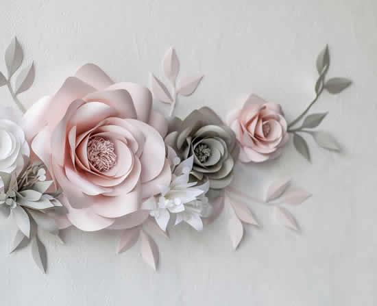Enfeite de flores de papel para decoração