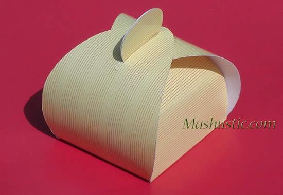 Faça uma linda caixinha de papel