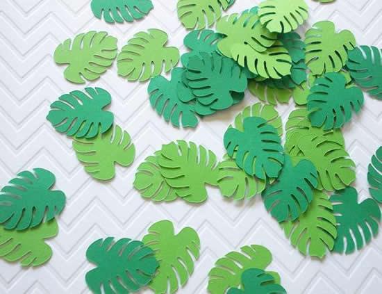 Enfeite com folhas de papel para festa