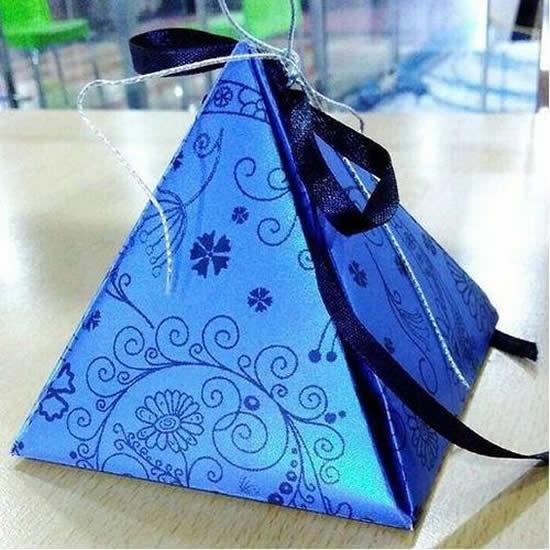Caixinha pirâmide de papel