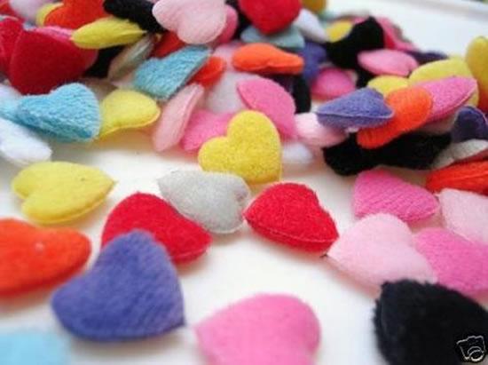 Corações de tecido com molde
