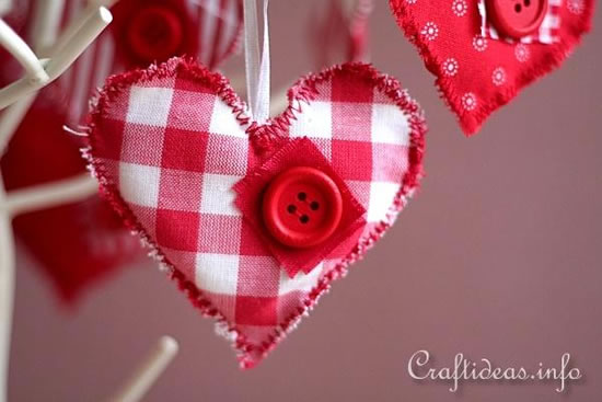 Coração de tecido com molde