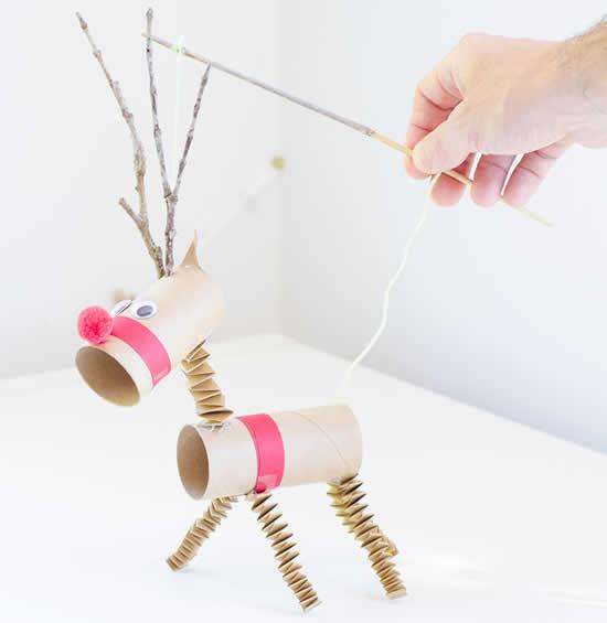 Artesanato para Natal com rolos de papelão