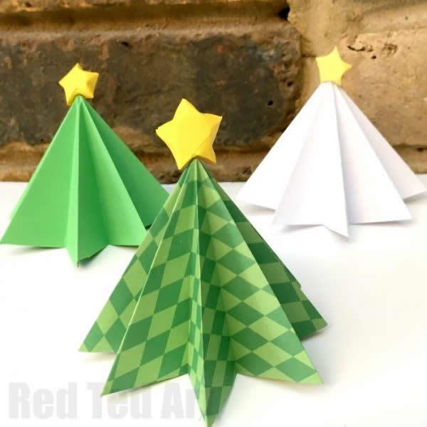 Enfeite com Árvore de Natal de papel