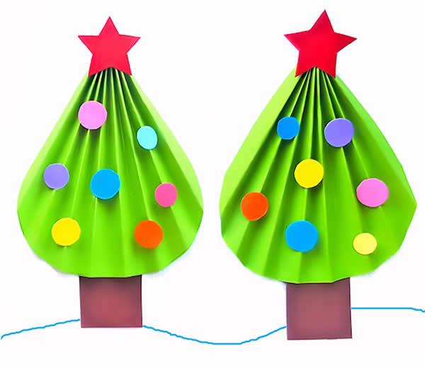 Árvore de Natal com papel